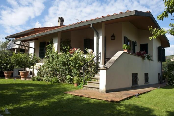 Vendita lastra a signa villa 300 mq florence real estate for Case in vendita signa